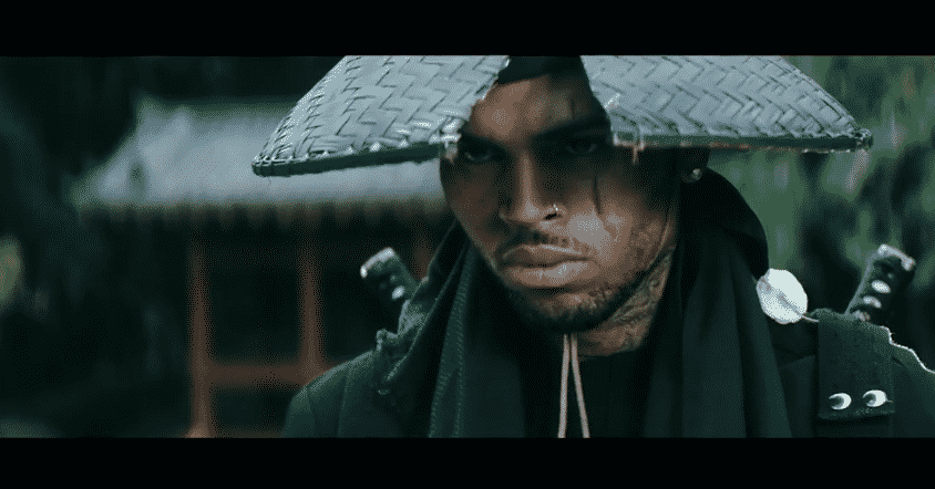 image Chris Brown dans clip autumn leaves