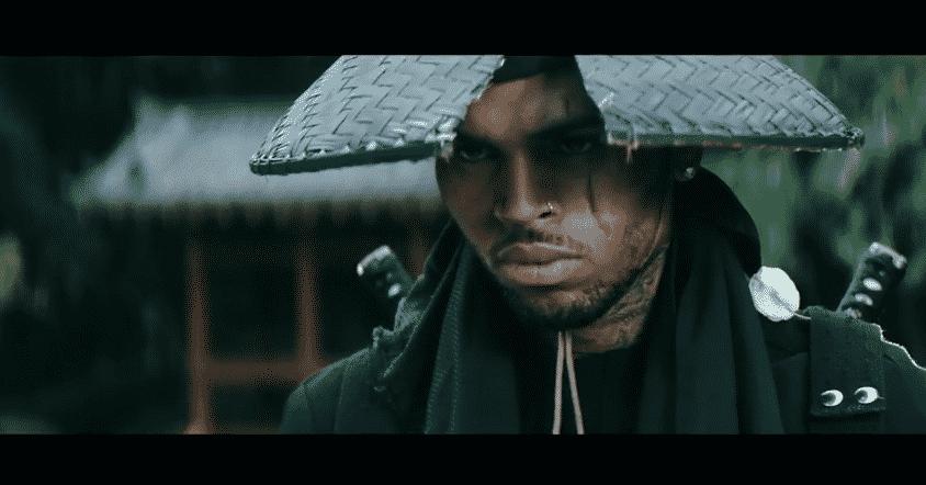image Chris Brown dans clip autumn leaves