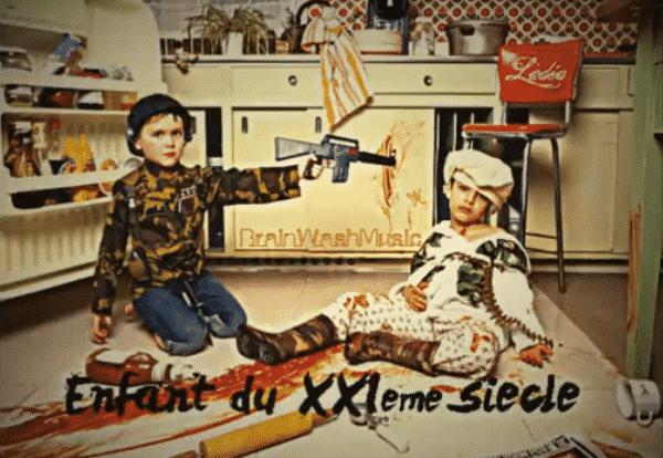 image ladea dans le clip enfant deXXIeme siècle