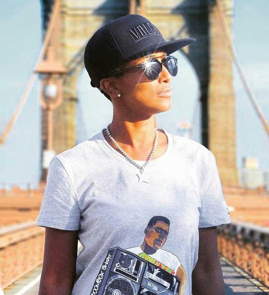 image-boombox-shirt-vêtement-2
