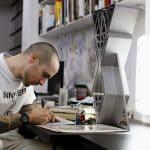 Quand le monde du tatouage s'associe avec l'horlogerie suisse