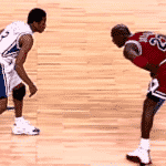 NBA throwback : Le jour où Allen Iverson a crossé son idole Michael Jordan
