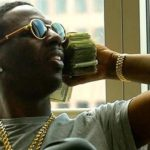 "Young Dolph touchant dans ""While U Here"""