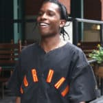 "A$AP Rocky planant dans son ""Money Bag Freestyle""!"