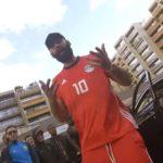"""La Fouine se prend pour """"Mohamed Salah"""" dans son dernier clip !"""