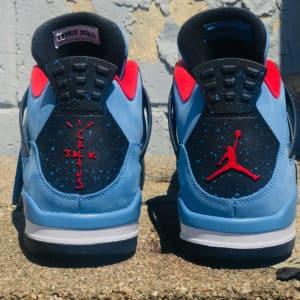 Image-L'arrière-chaussure-Travis Scott x-Air-Jordan-4-Houston-Oilers