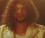"""Sadek devient """"Johnny de Janeiro"""" dans son nouveau clip !"""