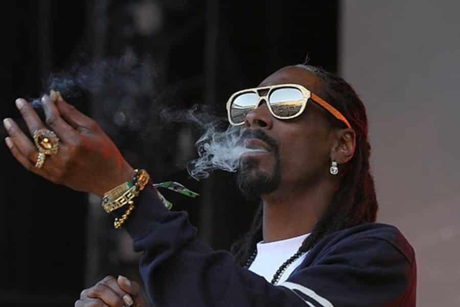 image snoop dogg smoke