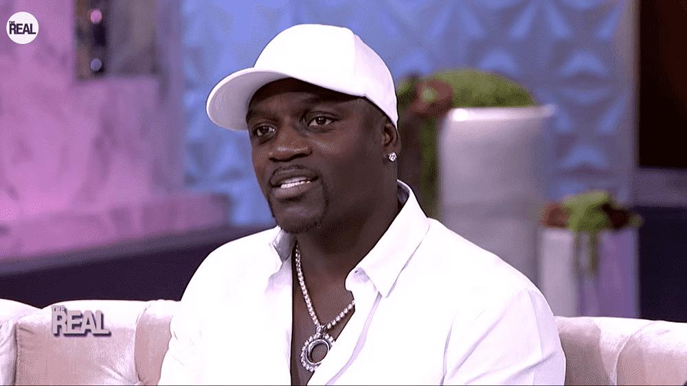 Akon face à Kanye West lors des élections présidentielles de 2024