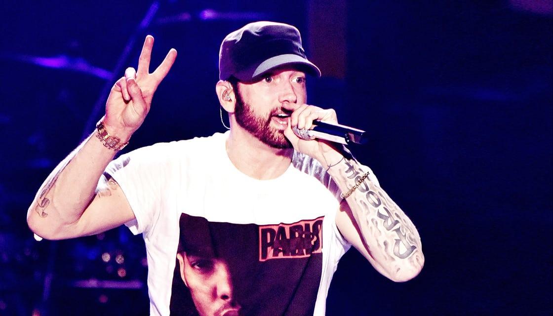 Eminem est le plus gros vendeur de la décennie en terme d'albums purs