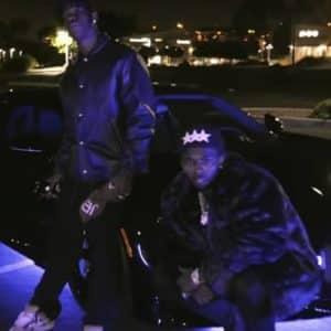 """Travis Scott et Pop Smoke en balade nocturne sur l'asphalte dans """"Gatti"""" [Clip]"""