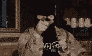 """Kalash Criminel représente le """"Cougar Gang"""" dans son clip !"""