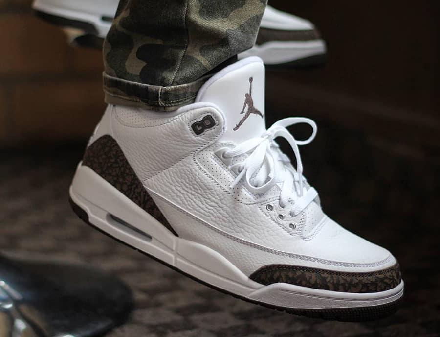 Air Jordan 3 Retro White Dark Mocha Chrome 2018 1