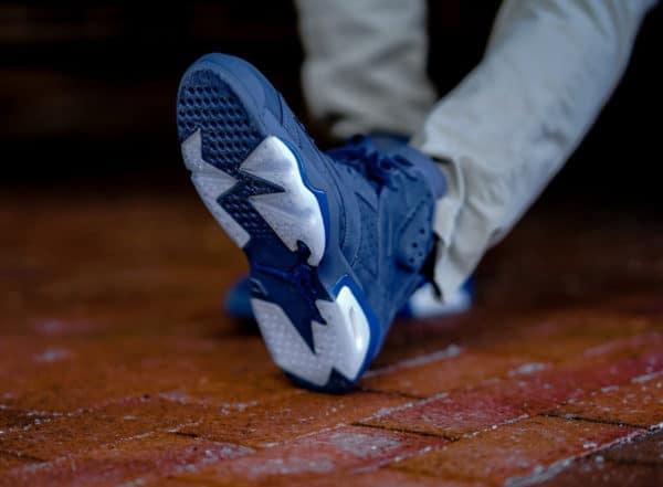 image Air-Jordan-6-Retro-Diffused-Blue-on-feet 2