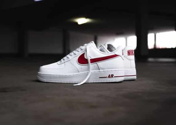 meilleur service 4f627 9a27a La Nike Air Force One '07 3 White Gym Red en images | Hip ...